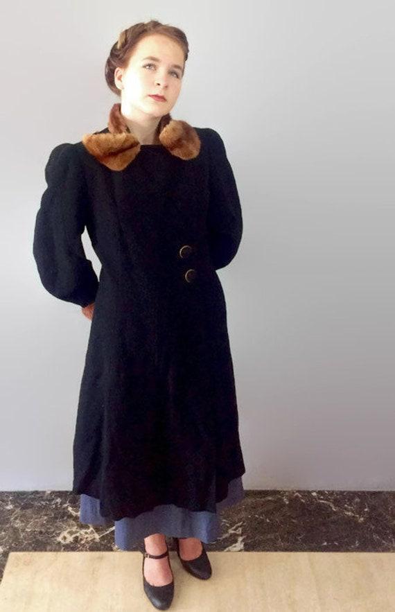 Vintage Mutton Sleeve Black Coat with Fur Trim