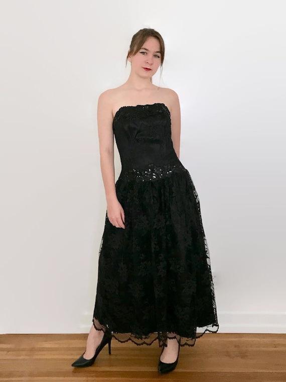 Vintage 1990s Jessica McClintock Black Lace Strapl