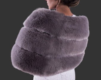 Faux Fur Stole with velvet lining | Faux Fur Wrap | Faux Fur Shawl | Bridal Wrap #Bridesmaidsshawl #Whiteshawl #Shaw #Wedding #FurShawl
