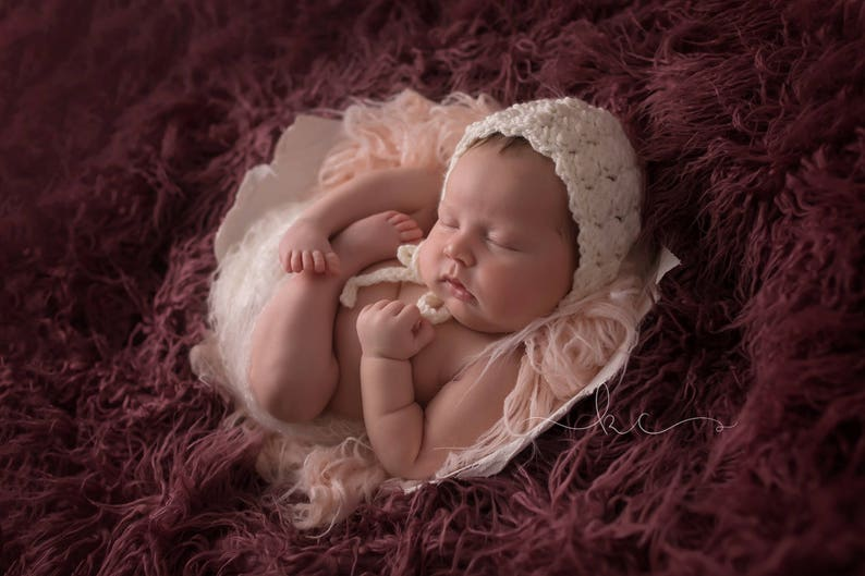 Crochet Newborn BonnetNewborn Photography PropBaby Shower GiftBaby BonnetNewborn Photo PropsVictorian Baby BonnetVictorian Cake Smash
