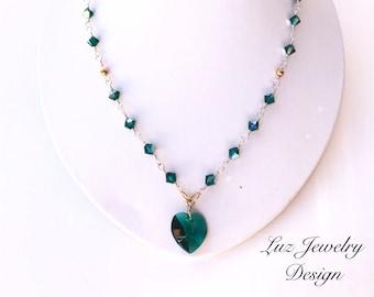 Green Swarovski necklace, Dark green jewelry, green necklace, crystal necklace, crystal jewelry, Swarovski necklace, Swarovs