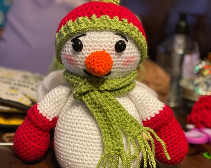 Chilly the Snowman, Amigurumi, crochet, ready to ship, stuffed toy