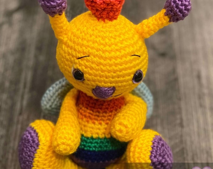 Calliope the multicolored bee, Amigurumi, crochet, ready to ship, stuffed animal