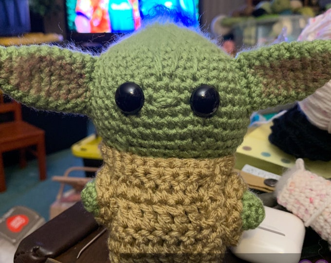 Baby Alien, made to order, amigurumi stuffed toy