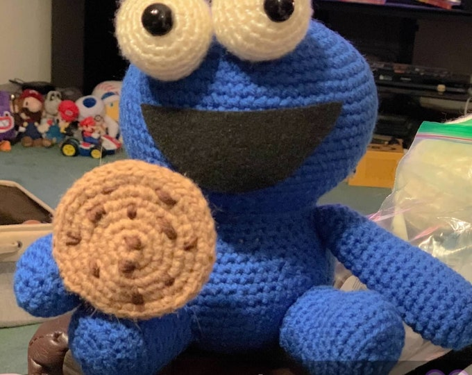 Cookie Monster with cookie, Amigurumi, plush, ready to ship, stuffed animal