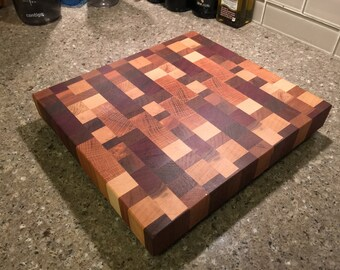 End grain chaotic cutting board