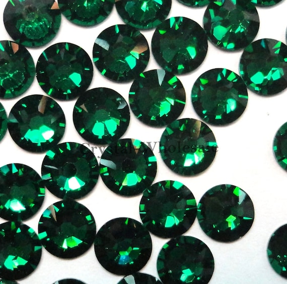 Emerald 205 Swarovski 2058 Xilion  New 2088 Xirius 16ss f3052f8a8191