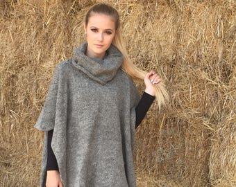Natural wool poncho