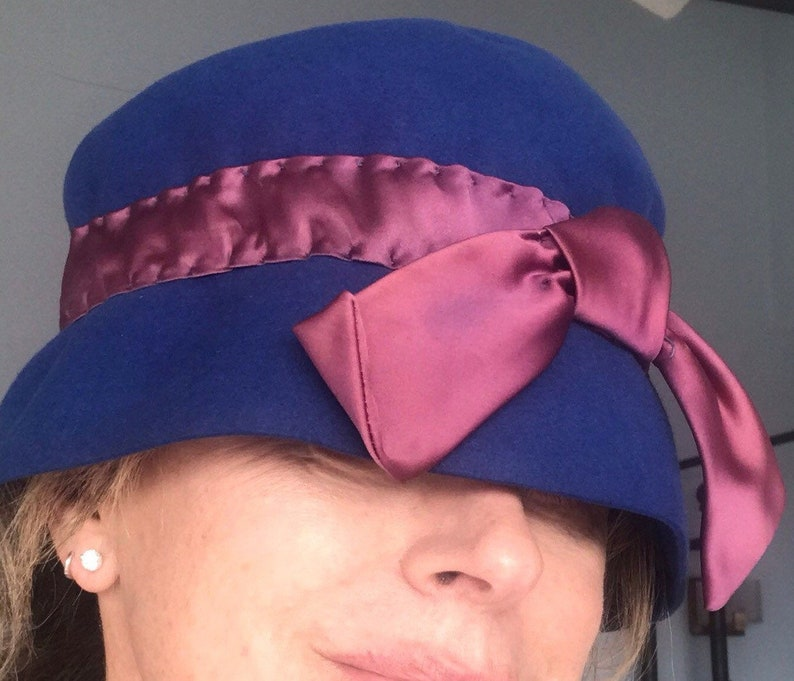 1920's J.W. Robonson Wool Felt Cloche Hat with Solk Satin image 0