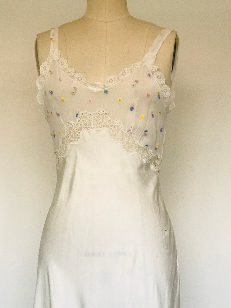 1970's Silk & Chiffon Dressing Gown white Lace with image 0
