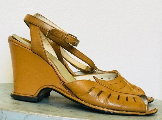 1940's Leather Ankle Strap Peep Toe Wedges Nude |