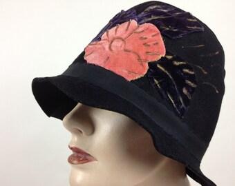 ec3a4c76e0bfd 1920 s Cloche  Hat   Authentic Vintage   Black Felt with Silk Velvet  Cut-Out Flowers   Size Medium
