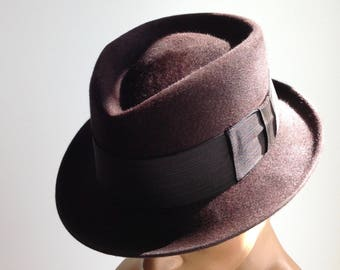 a427285f46f7c 1950 S STETSON Fedora   Frank SINATRA   Quality Fur Felt   Royal De Luxe    Low Stack   Tight Brim   Men s Size 7 1 4