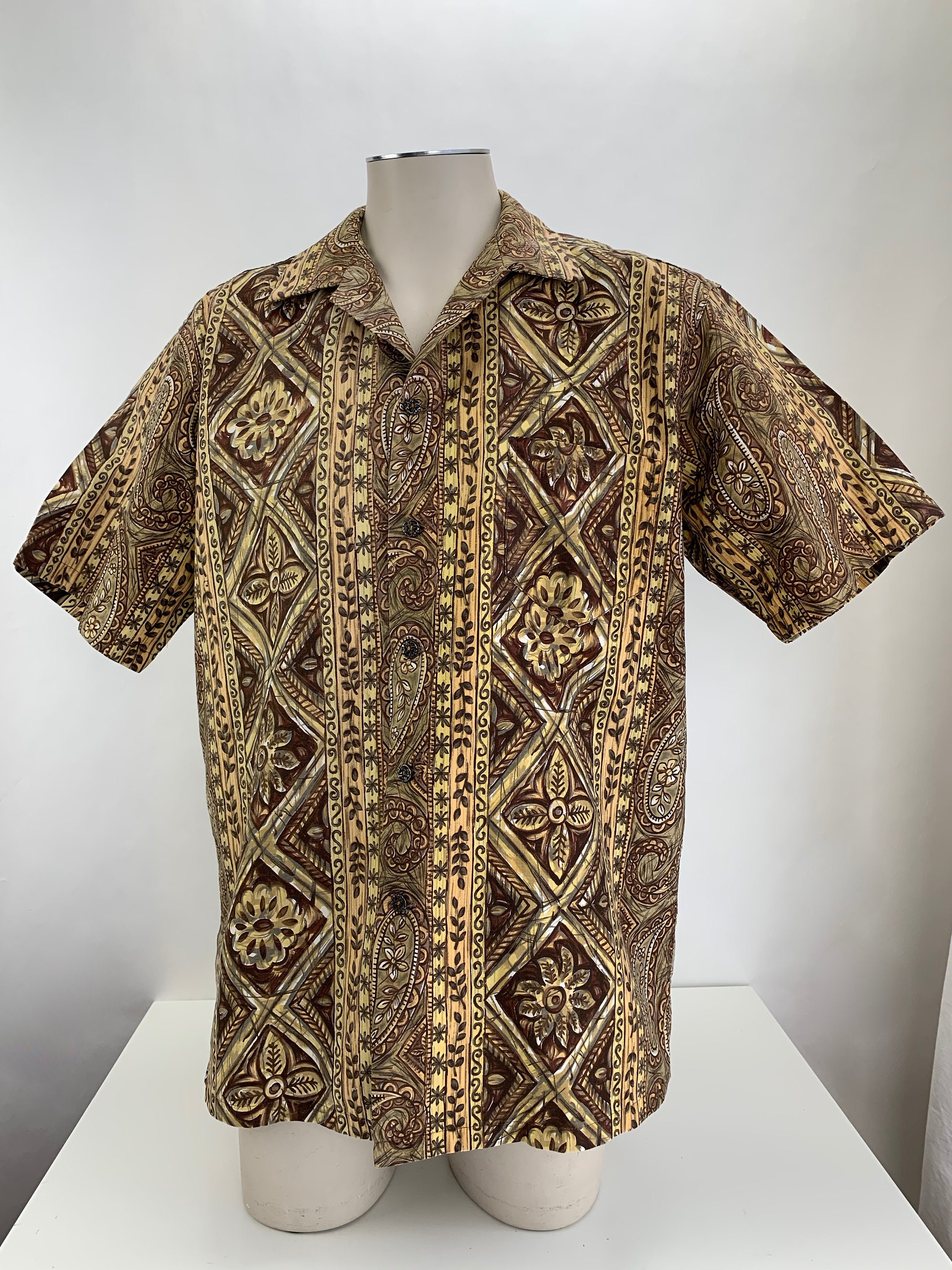 1950s Mens Hats | 50s Vintage Men's Hats 1950s - 60s Kamehameha Hawaiian Shirt All Cotton Screen Printed Fabric Abstract Pattern Made in Hawaii Mens Size Large $22.95 AT vintagedancer.com