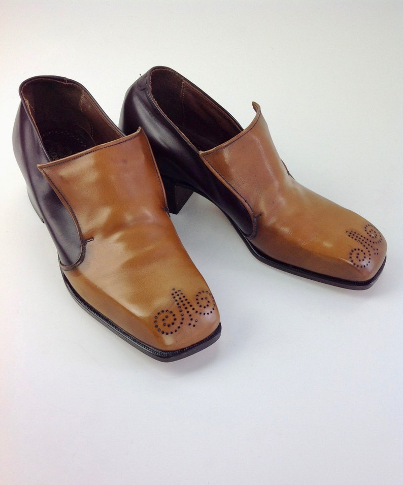 e33cc676bfd85 1960's Two-Tone Slip-On Shoes / Decorated Perforations / STETSON Brand /  Vintage Dead Stock / Men's Size 6