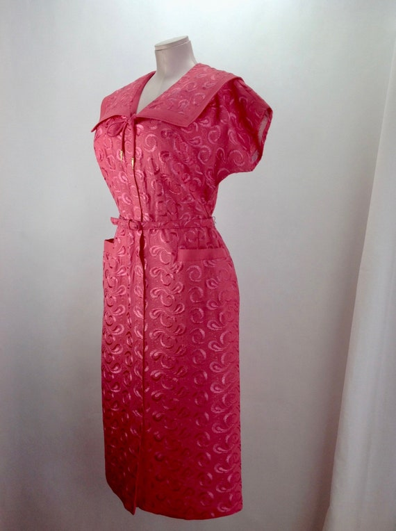 1950'S Rayon Dress in Coral / Machine Embroidery /