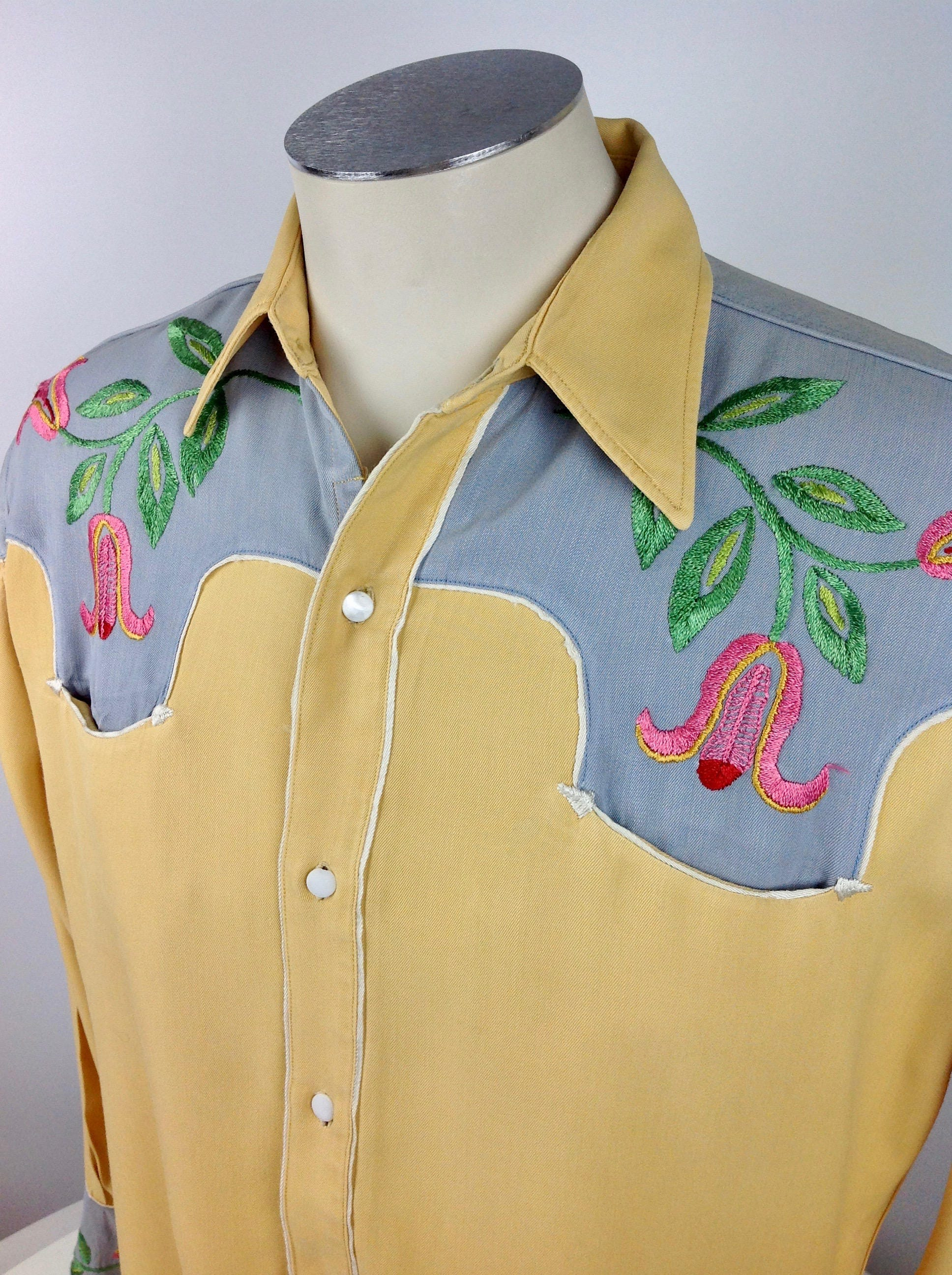 1940s Men's Shirts, Sweaters, Vests 1930s 40s Western Cowboy Shirt - Two-Tone Chain Stitch Embroidery Mother Of Pearl Buttons Mens Large $22.95 AT vintagedancer.com