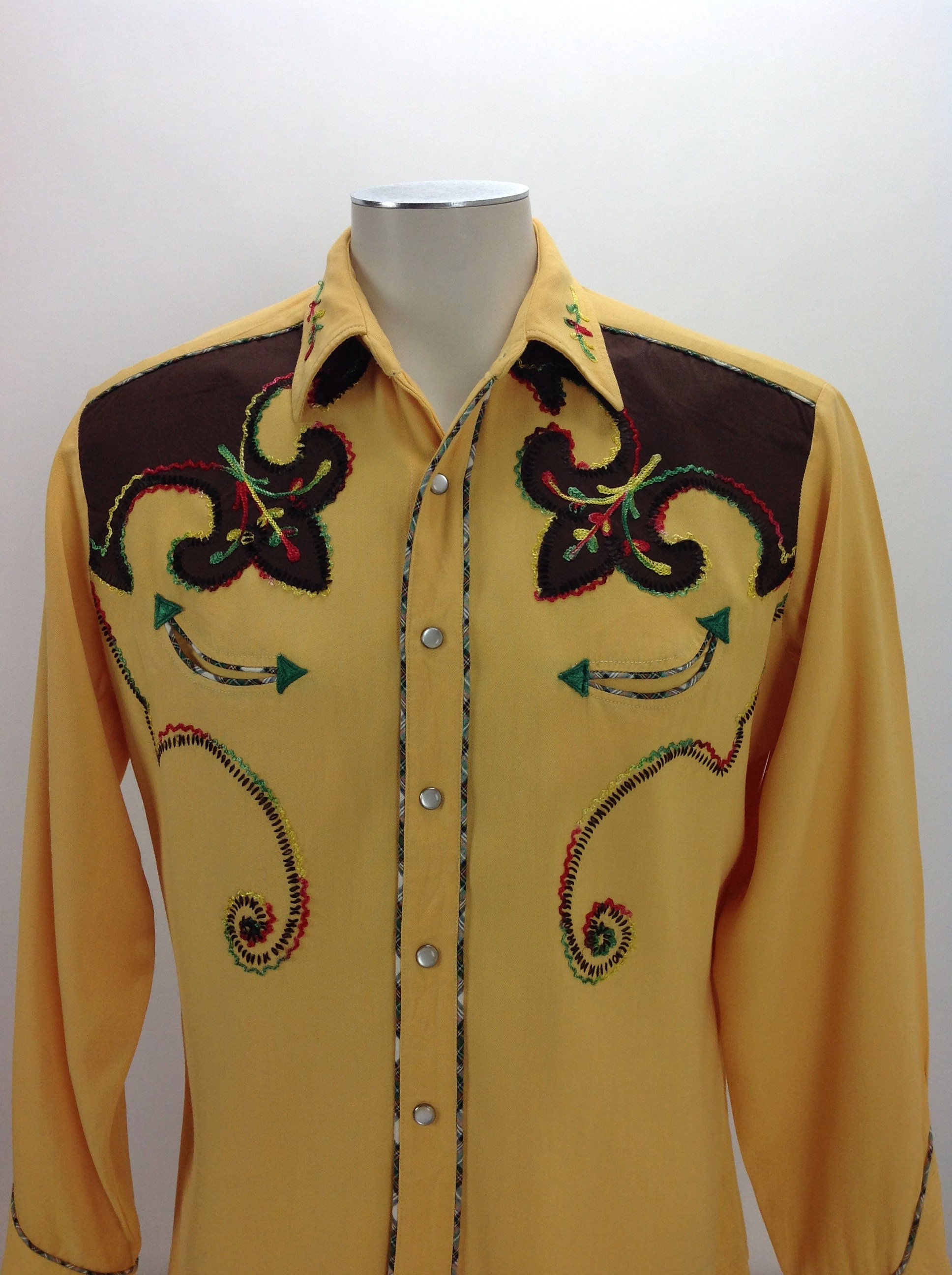1940s Men's Shirts, Sweaters, Vests 1940s 50s 2Tone Western Gabardine Shirt - Chain Stitch Embroidery Mother Of Pearl Snap Buttons Mens Large $22.95 AT vintagedancer.com