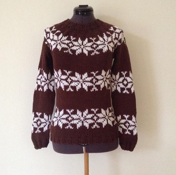 Pattern from Faroe Islands jumper Islandpullover handmade from pure Icelandic Wool lopapeysa Icelandic sweater pull islandais