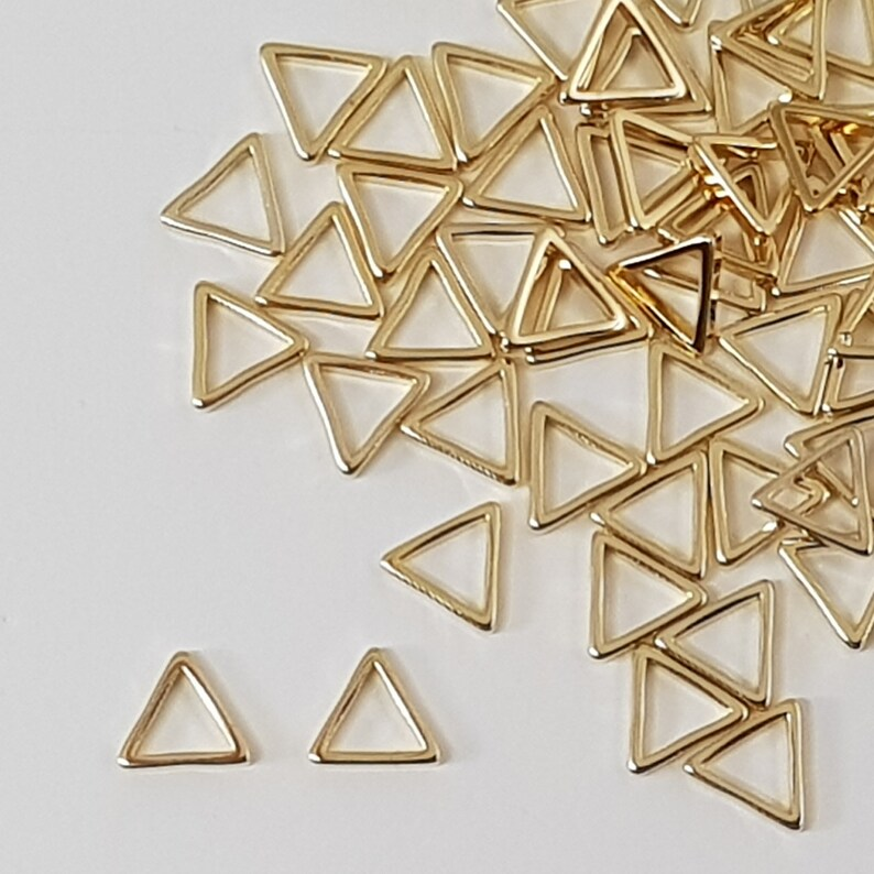 Silver Shiny Glossy Triangle Tiny Metal beads Pendants Connector Links Jewelry Jewellery findings for earrings necklace bracelets #mb306sv