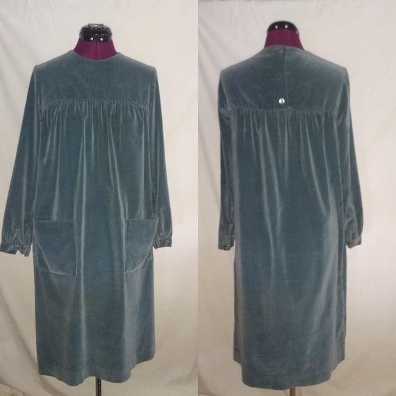 Saks Fifth Avenue Countydude Vintage 1960s Green Velvet Dress