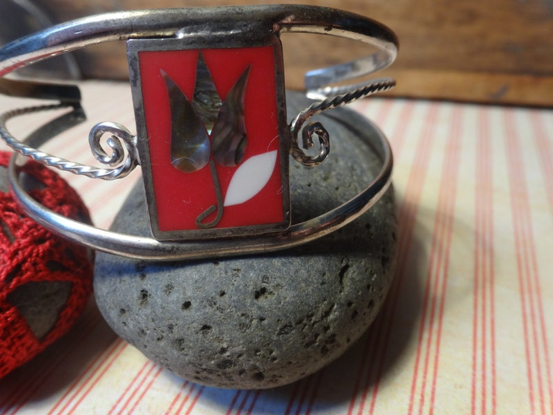 Red Enamel Open Tulip Flower Vintage 1960/'s RED and SILVER arm CUFF Mexican Cuff Bracelet Alpaca Silver