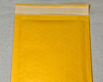 Five Small Bubble Mailers, 5 Size 00 Shipping Envelopes, 5 x 9 Padded Mailers