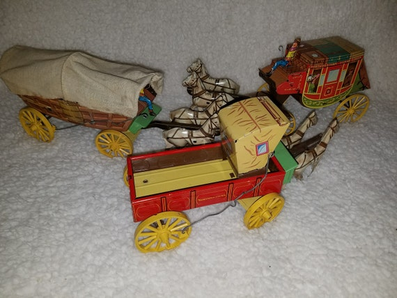 Tin Litho Northwestern Products 3 Pieces Stage Coach Covered Wagon