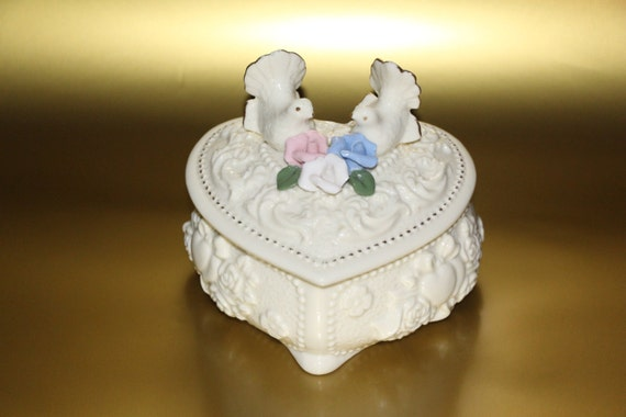 Porcelain Capodimonte Trinket or Jewelry Box With Doves