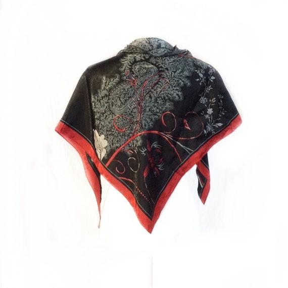 Foulard en Satin gris noir rouge cadeau pour les femmes de   Etsy 422850ad820