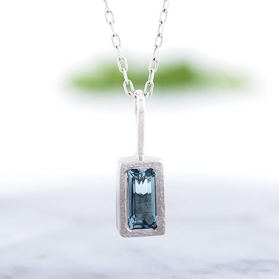 Blue Aqua Necklace Necklace and Pendant Aquamarine 14K Bold GOLD 14K 18K Natural Aquamarine Aquamarine Necklace Lemon Quartz Pendant