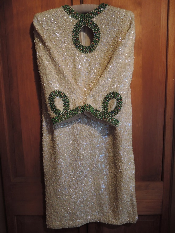 An Elegant Sequined Dress - image 3