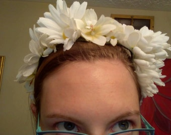 White Daisy Crown