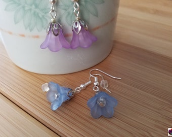 cute and lovely light flower earring in soft pastel color