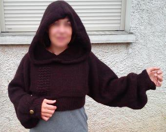 Very short T40/42 hooded pullover
