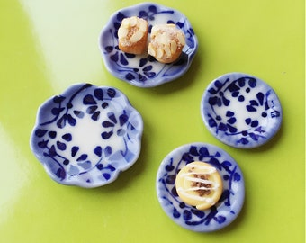 4 Miniatue plate,mini ceramic plate,miniature food plate,cake plate,small plate,dollhouse plate,dollhouse miniature plate,miniature
