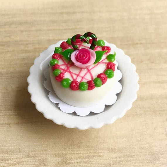 6 Cupcake with Rose on Tray Dollhouse Miniatures Food Deco Yummy Bakery