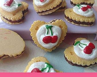 21x24mm.Miniature Cabochon Cookie,Miniature Cakes,Cabochons,Resin,Miniature Sweet,Miniature Cabochon,DIY,Mobile case