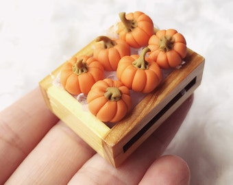 Miniature Pumpkins in the Wooden Tray,Miniature Pumpkin,Dolls House, Miniature Vegetable,Miniature dolls,Miniatures accessories,Pumpkin