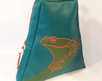 Frog Travel Tote by Little Packrats, Gift for Animal Lover, Cross Body Style Messenger Bag With Tree Frog Design