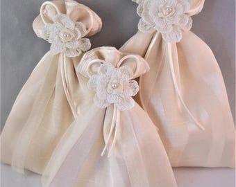 Gift bag, reusable gift bag, fabric gift bag, Embellished Gift Bag, cream gift bag, cream fabric gift bag, Mothers day