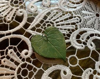 Leaf Shaped Gift Tag/Trinket (heart-shaped #2)