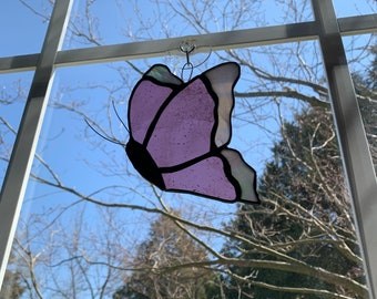 Stained Glass Butterfly (mauve/profile/decorative edges)