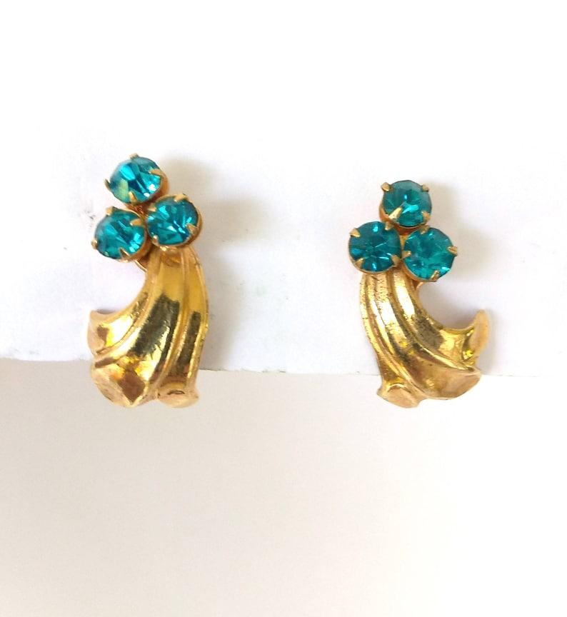 Gold and Blue Stone 1940/'s Screw Back Earring Collectibles Vintage Aqua Rhinestone Gold Tone Screw Back Earrings