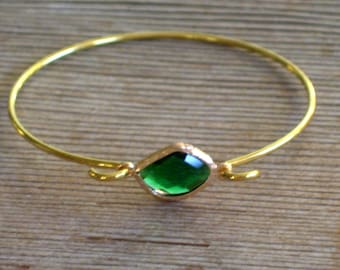 Gold Bangle Bracelet, Emerald Green Glass Bracelet, Green Gold Bracelet, Minimalist Bangle, Layering Bracelet, Stackable Holiday Bangle