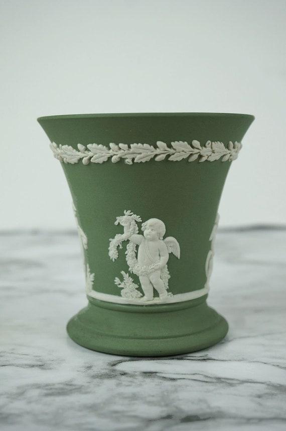 Wedgwood Vase Green Jasperware With 4 Cherubs Vintage Etsy
