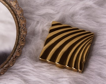Volupte USA Vintage 1940s Golden Square Powder Compact, Vintage Square Gold Compact, Vintage Compact