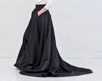 READY TO SHIP black skirt with pockets