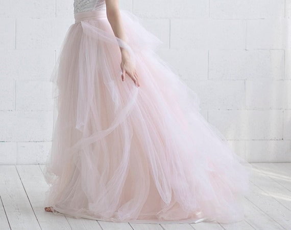 READY TO SHIP: blush tulle skirt  / us size 0-2 tulle skirt / oversize bow tulle wedding skirt / textured wedding skirt / blush bridal skirt