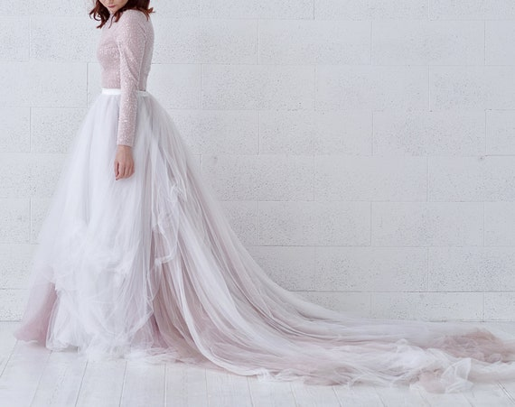READY TO SHIP ombre bridal tulle skirt / tulle skirt with a long train / size 0 - 2 wedding skirt sample / ombre tulle wedding skirt /